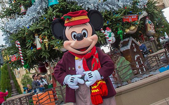 Holiday-BVS-Mickey-Crop