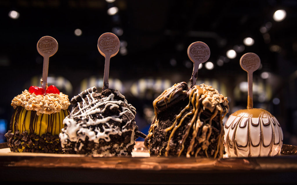 the-toothsome-chocolate-emporium-candy-apples