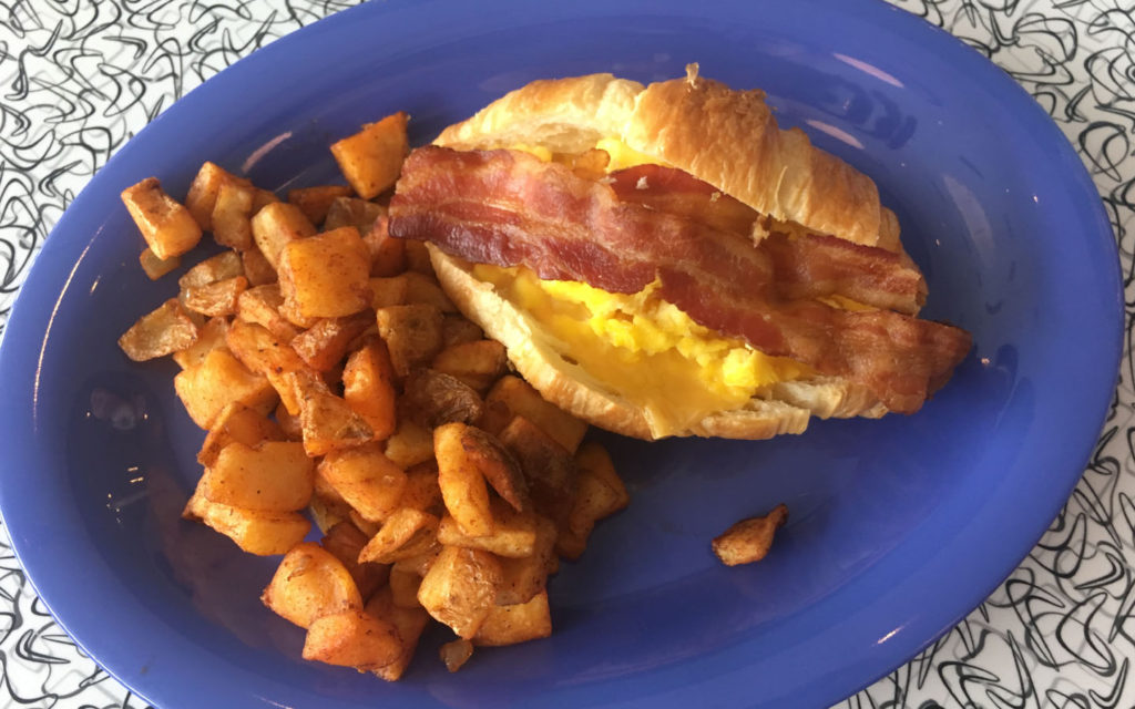 bacon-egge-cheese-croissant-from-bayliner-diner