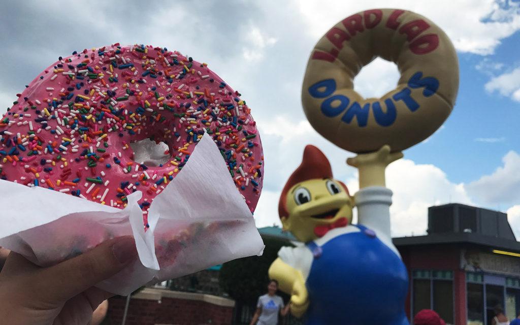 lard-lad-donuts-at-universal-orlando-blog-squad