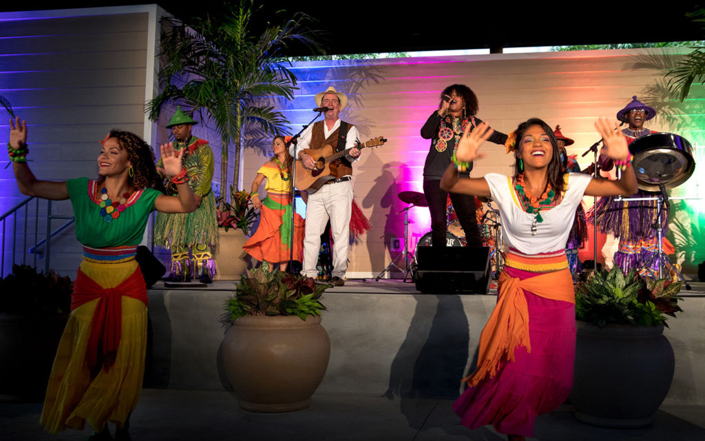 new-caribbean-carnaval-live-dinner-show-at-loews-sapphire-falls-resort