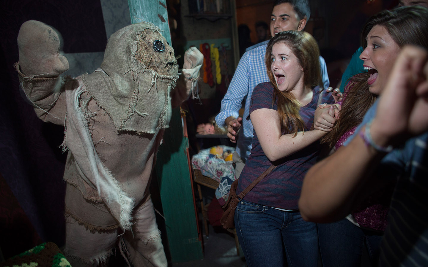 theme parks one hour before the park opens with early park admission as well as get special access to a dedicated halloween horror nights entry gate - Theme For Halloween Horror Nights 2017